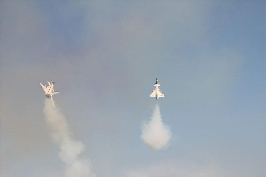 Vídeo – Não é um UFO: Jet Formation Masters 2012 – Elster Jet Team Show